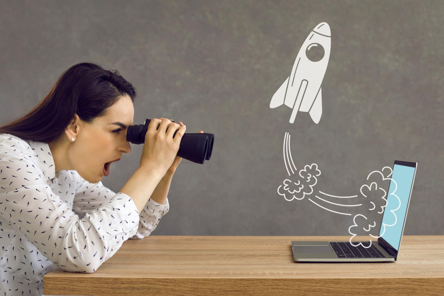 analisar a concorrência mulher binóculos computador